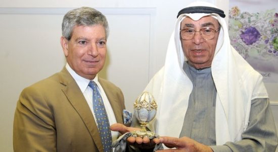 Hussein Alfardan and Robert Benvenuto present the 'Fabergé Pearl Egg' at the exhibition
