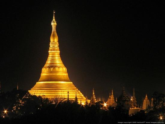 Shwedagon_Pagoda_niteD